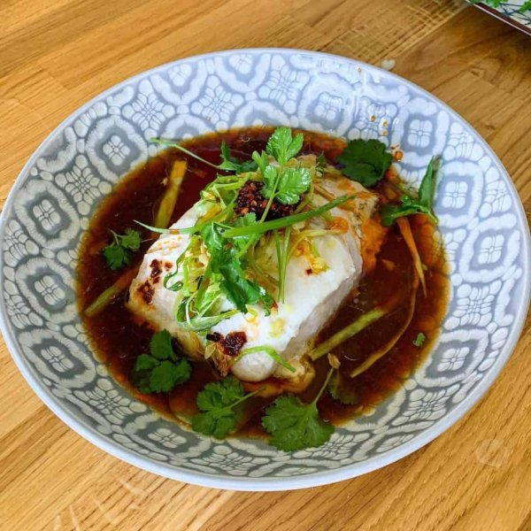 https://www.documentingmydinner.com/2020/09/17/steamed-hake-with-soy-ginger-spring-onions-and-chilli-oil/